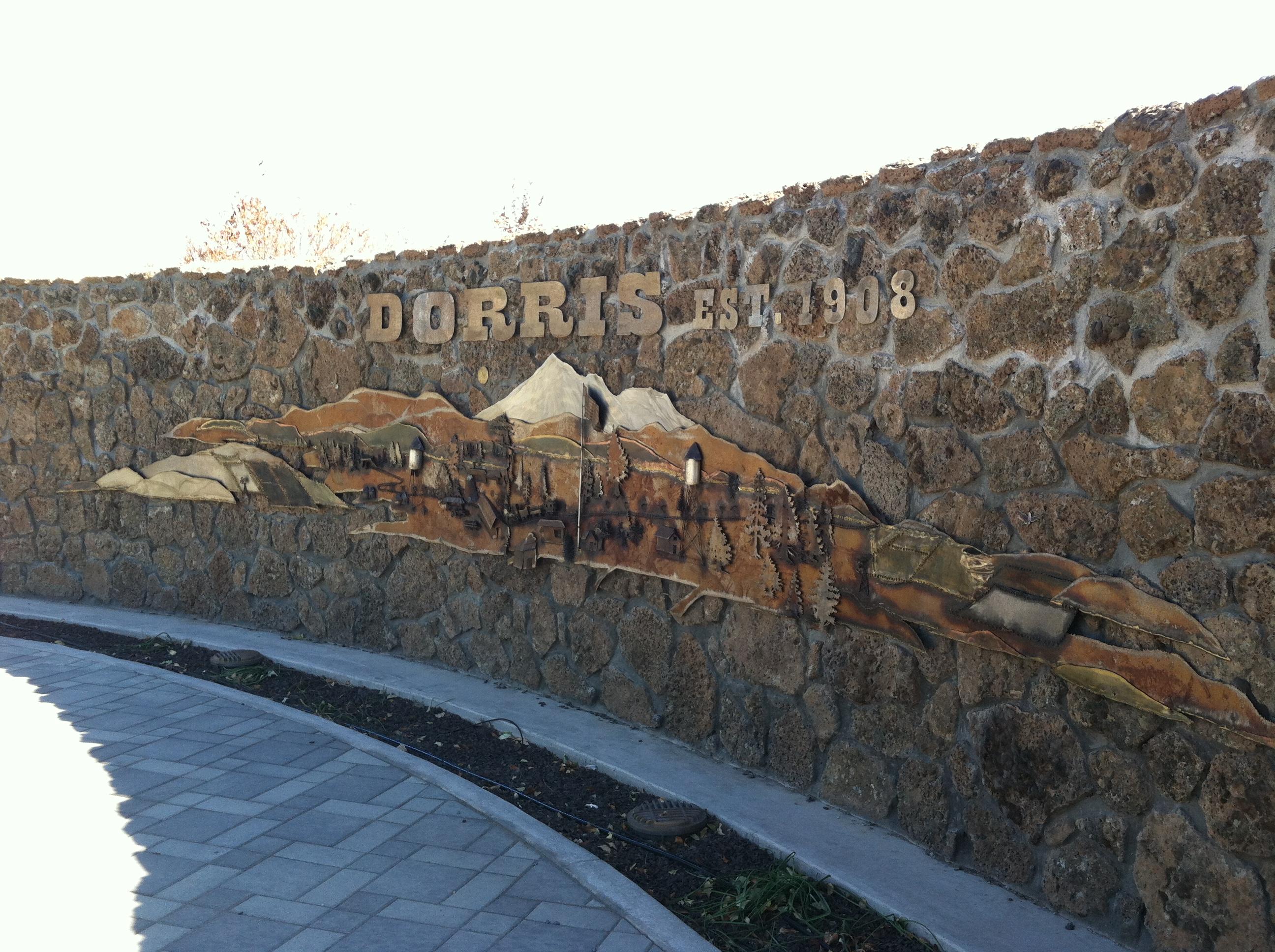 Dorris,_CA_mural